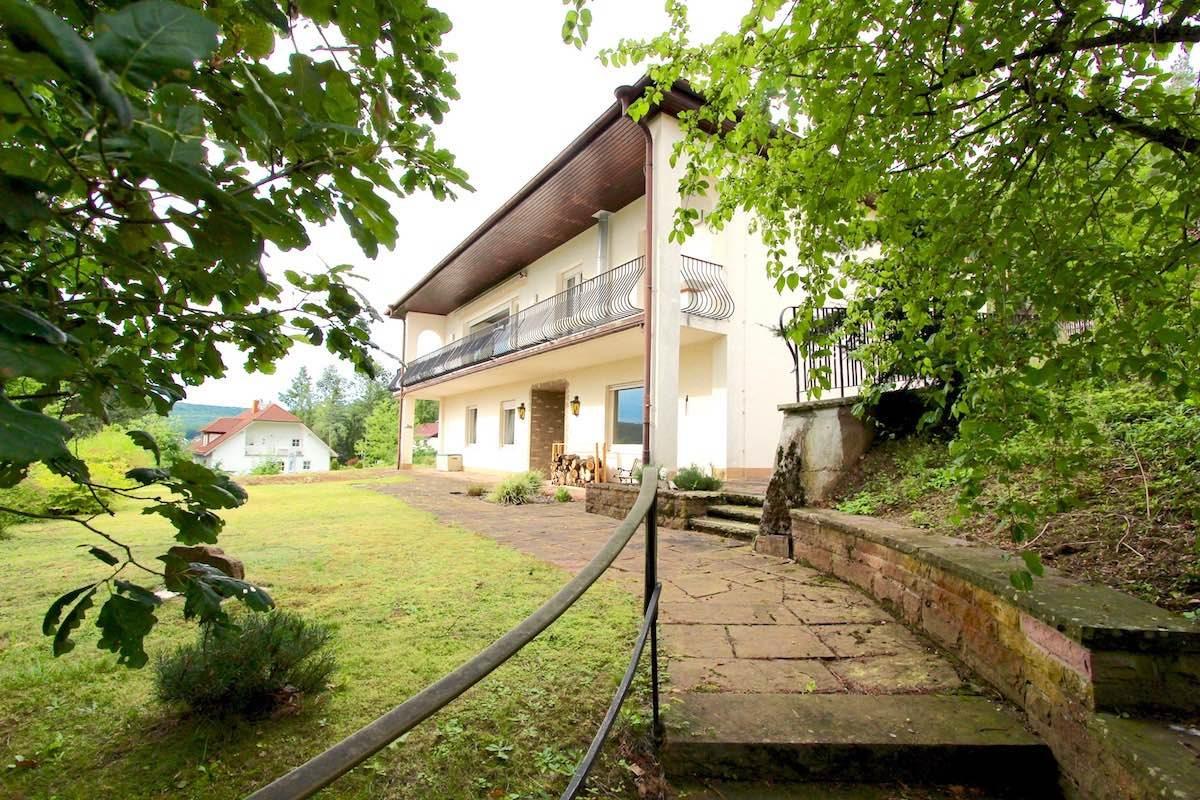 Kuhn Immobilie 78 Aufgang von der Garage zum UG