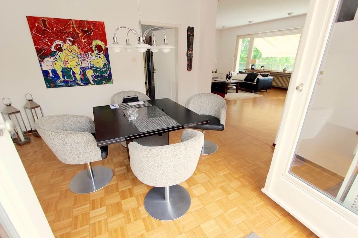 Kuhn Immobilien EG Esszimmer Wohnzimmer