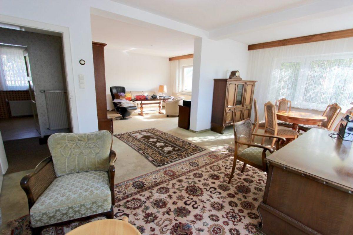 EG Blick ins Wohnzimmer - Kuhn Immobilien Bad Kissingen