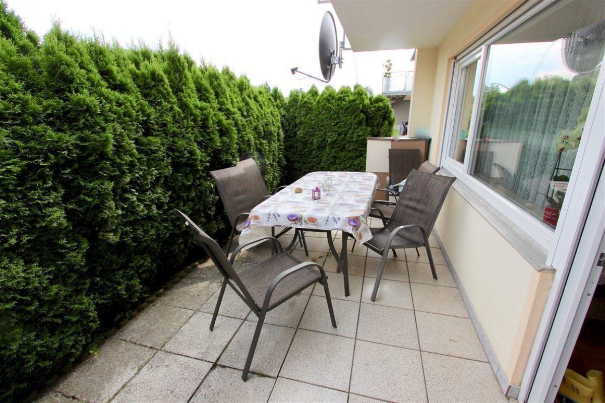 EG Terrasse vor dem WZ - Kuhn Immobilien Bad Kissingen