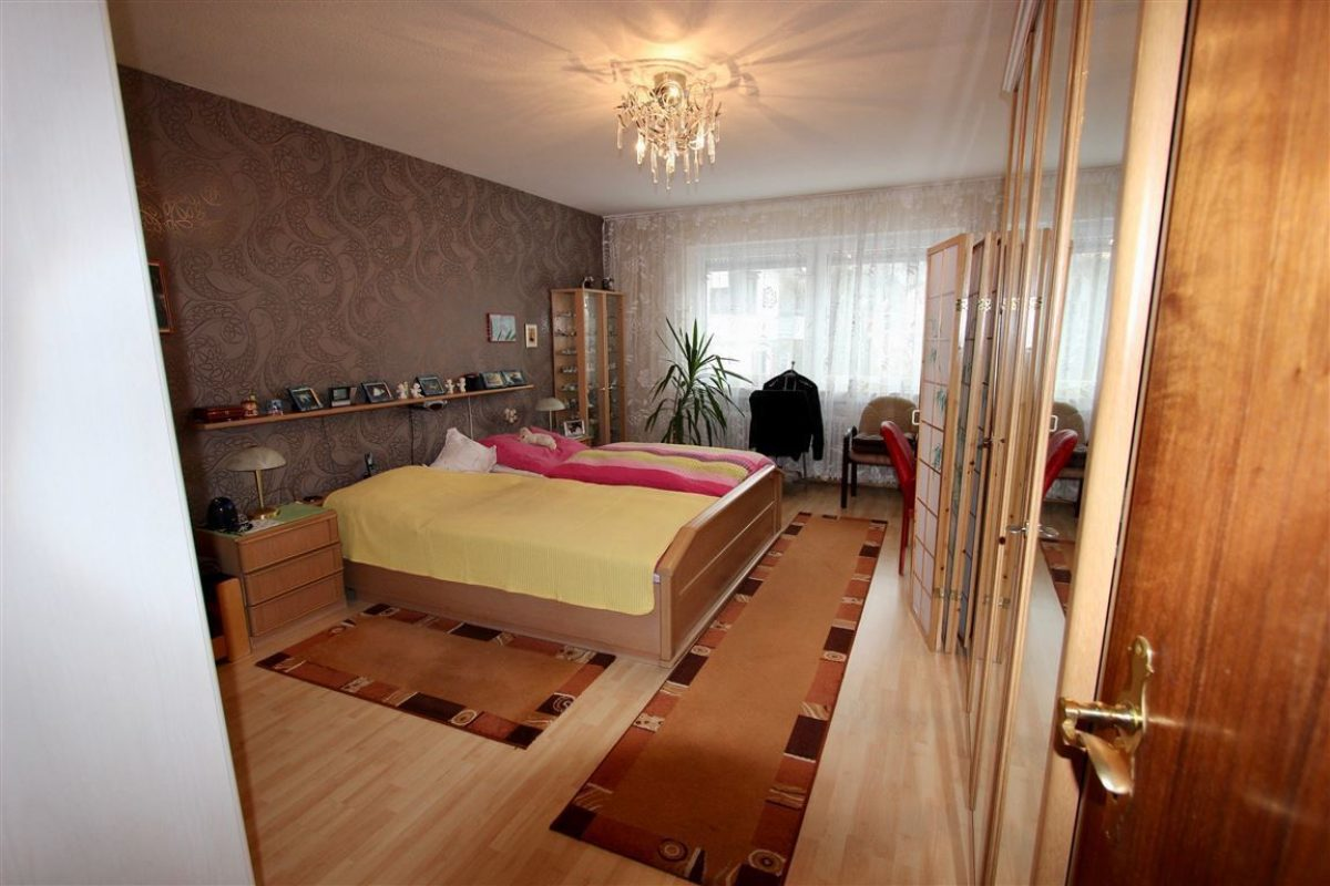 Schlafzimmer 1.OG - Kuhn Immobilien Bad Kissingen