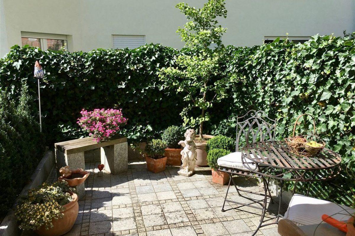 Terrasse vor der Küche - Kuhn Immobilien Bad Kissingen