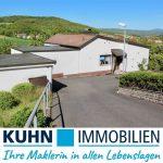 [BEREITS VERKAUFT] Freistehendes Wohnhaus mit Einliegerwhg. und zwei Garagen  in schöner, ruhiger Lage in Nüdlingen