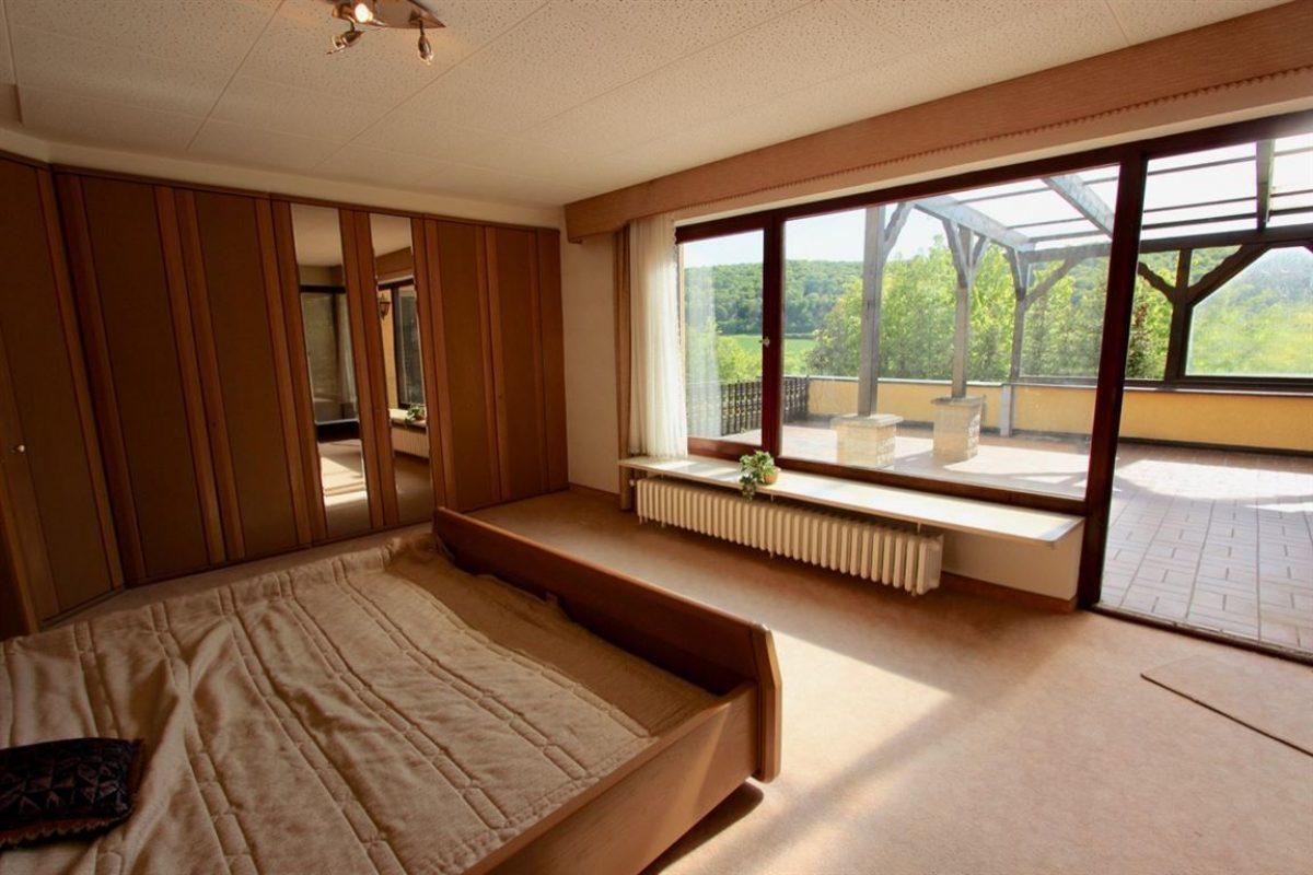 EG: Schlafzimmer - Kuhn Immobilien Bad Kissingen