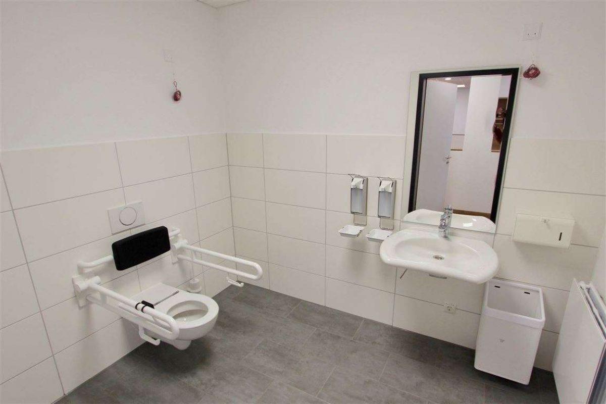 Behinderten WC - Kuhn Immobilien Bad Kissingen