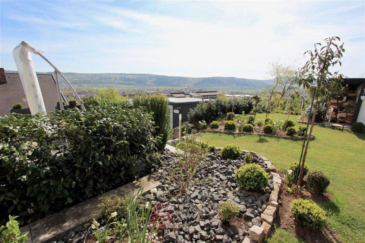Garten und Fernblick - Kuhn Immobilien Bad Kissingen
