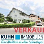 [BEREITS VERKAUFT] Nur ca. 20 Autominuten nach Würzburg – Mehrgenerationen-Haus  mit 3 Wohnungen und 3 PKW Stellplätzen.